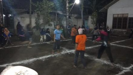 Lomba Gobak Sodor Ibu-Ibu antar RT Dusun Kenteng