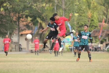 8 Besar Gadingsari Cup 2019: Hattrick Viko Bawa KSK FC Lolos ke Semifinal