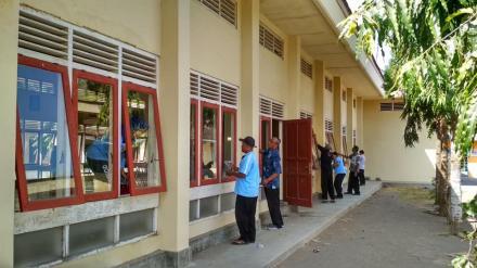 Kerja Bakti di Lingkungan Kantor Desa Gadingsari