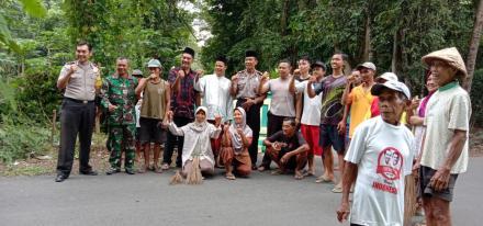 Bentuk Dukungan untuk Warga, Lurah Gadingsari Kunjungi Dusun -Dusun bersama Camat dan Kapolsek