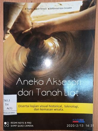 Aneka Aksesori dari Tanah Liat